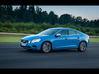 Volvo sedan sparkles with perks, pop