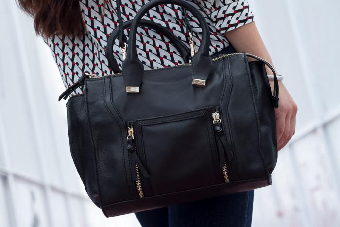 Bolso Zara de cuero negro clon de Phillip Lim accesorios complementos piel bloguera valenciana withorwithoutshoes