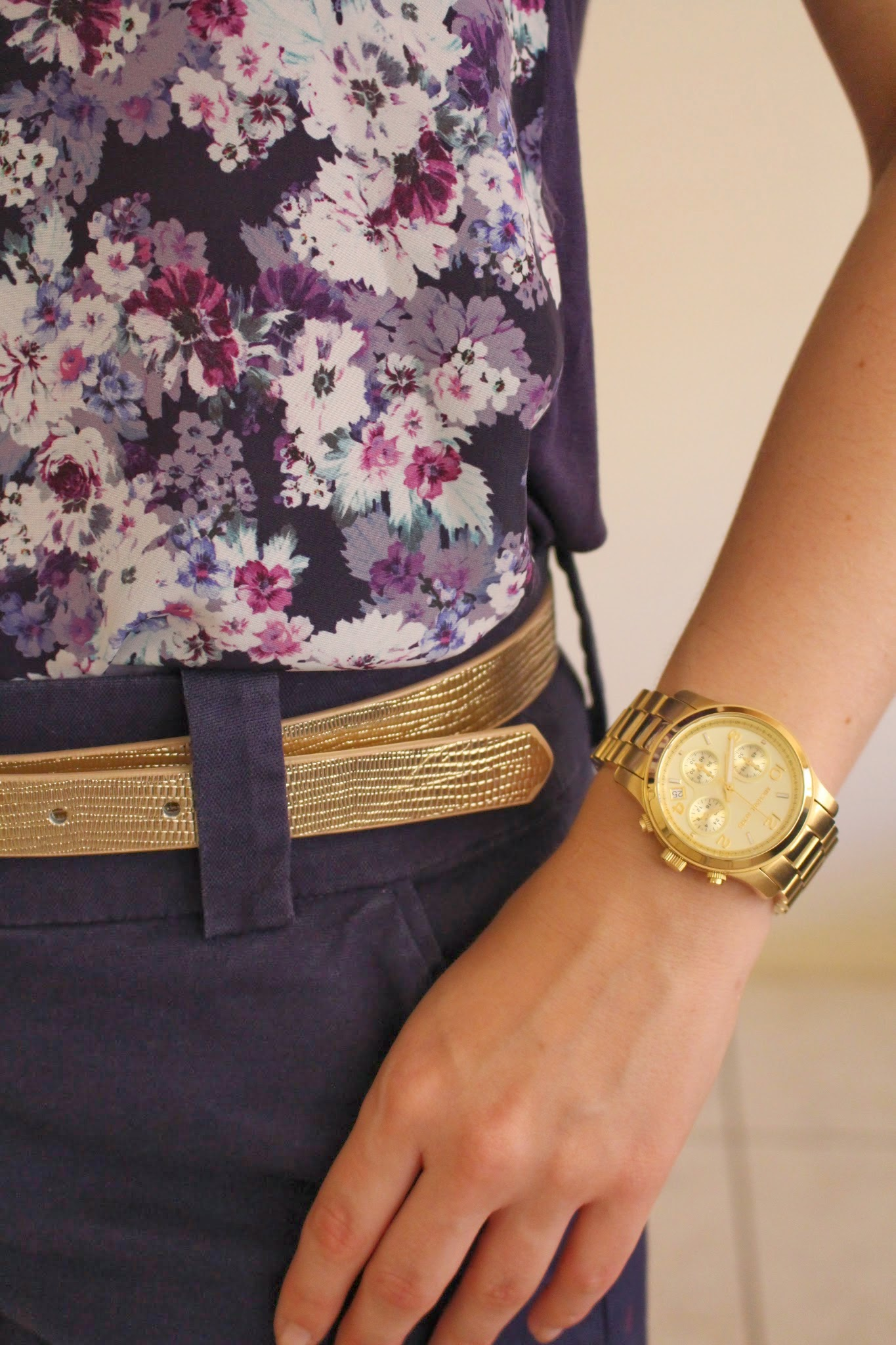Navy high waisted tailored shorts, purple floral top with lace detailing, black sandals, gold michael kors watch, uni outfit, college outfit, everyday outfit, smart casual outfit