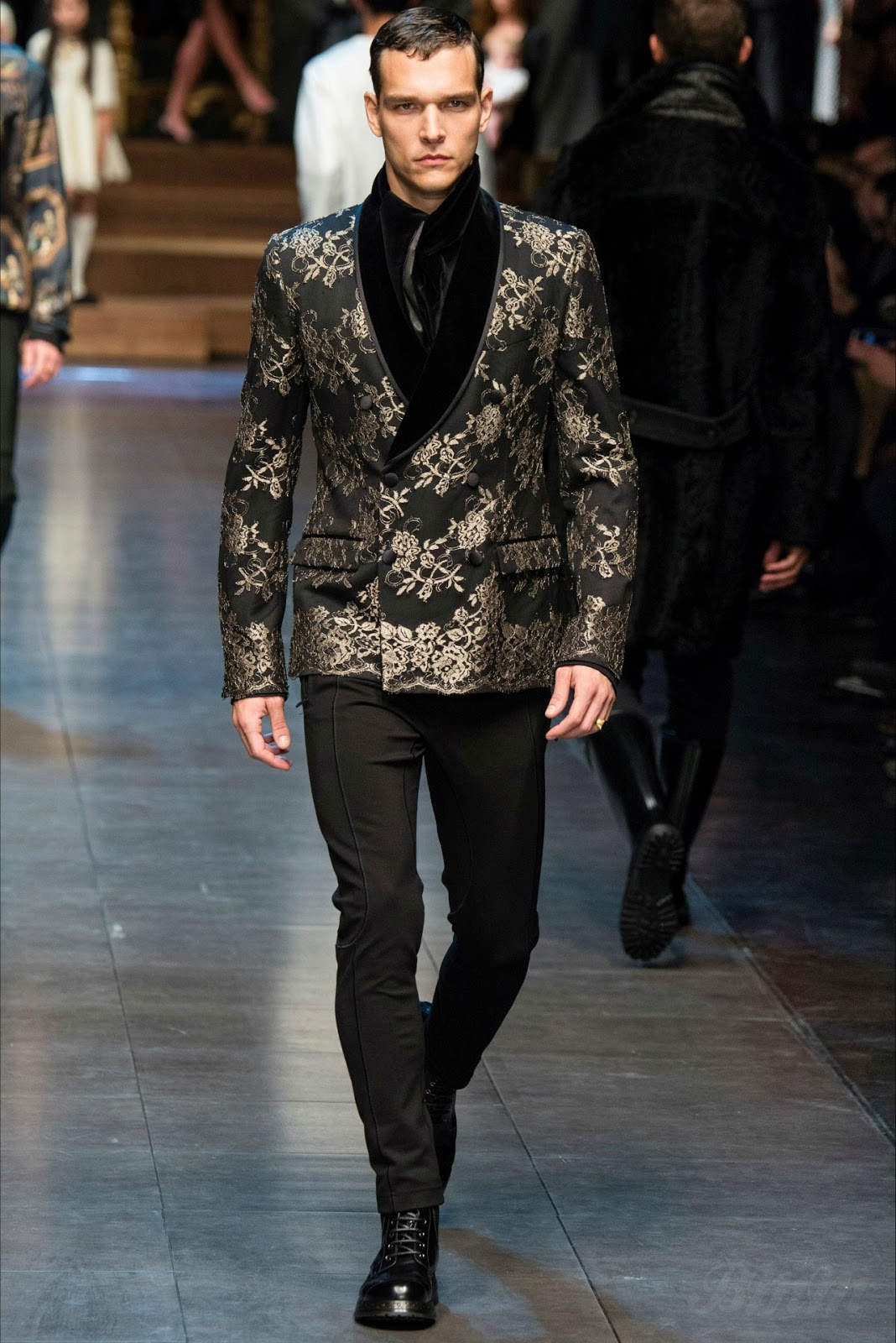 Vestiti Matrimonio Uomo Dolce Gabbana : Dolce gabbana fall winter brazil male models