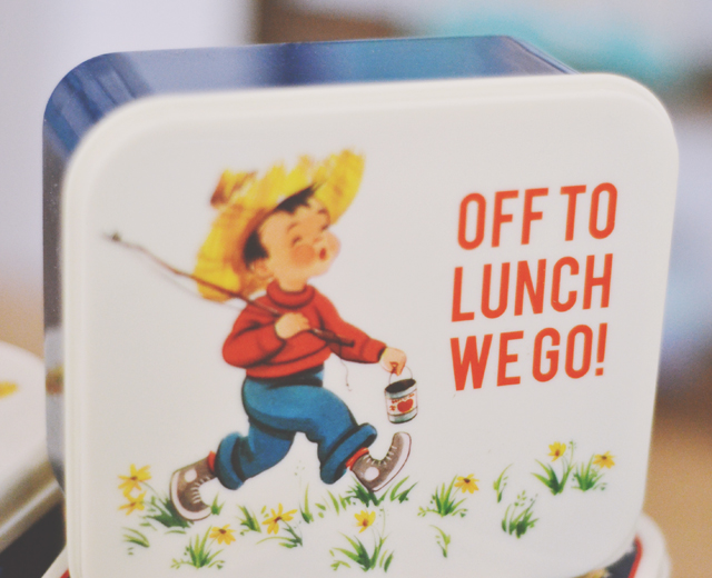 Cute vintage lunchbox