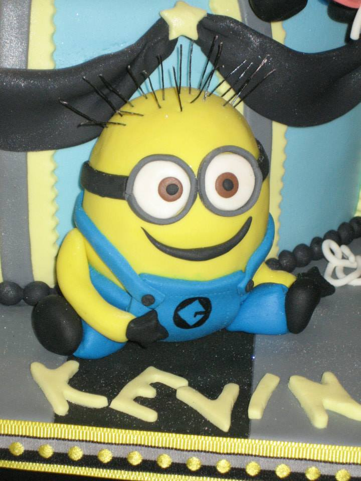 Tickled Pink Cakes: Minion Cake