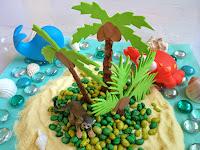 http://funprojectsforyourkids.blogspot.com/2015/05/tropical-island-sensory-bin.html