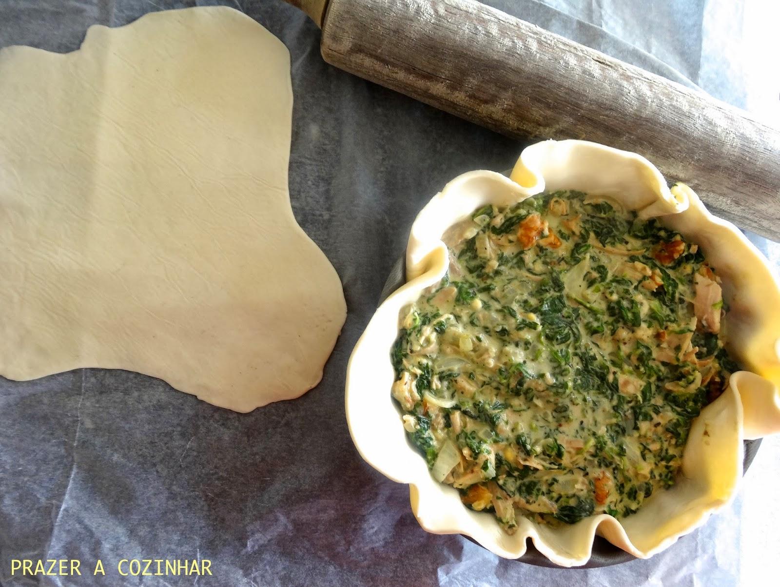 prazer a cozinhar - Empada de frango, espinafres e nozes