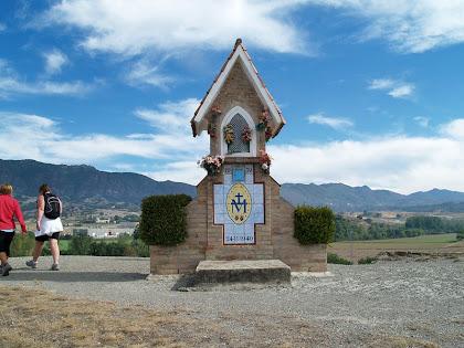 El Pedronet de la Miraculosa entre el Pla de les Baietes i el Pla de Vilardell