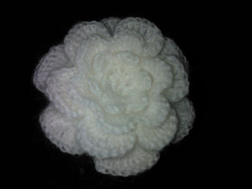 Схема вязания брошь-цветок крючком