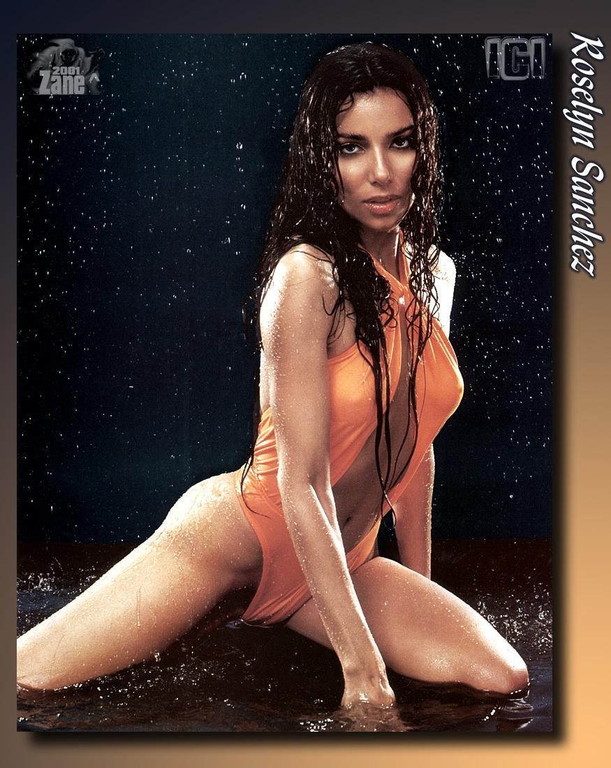 sexy aunty legs spread nude