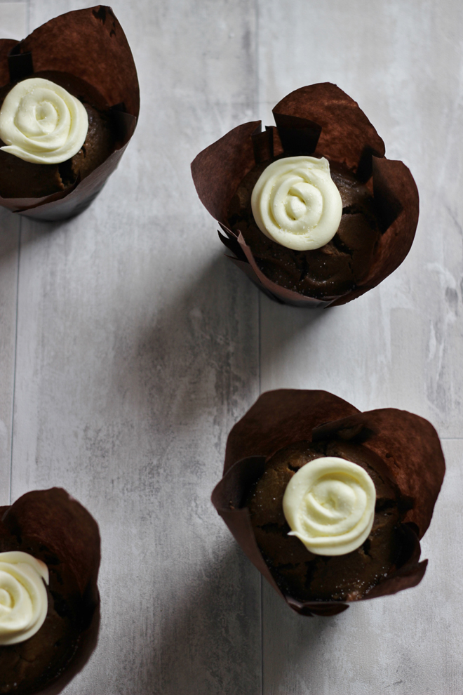 Easy Gingerbread Muffin Recipe with Cream Cheese Frosting