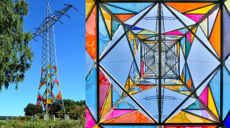 Torre eléctrica ordinaria transformado en colorida instalación de arte