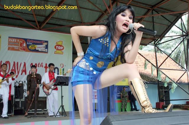 Foto Hot Ayu Ting Ting Sebelum Terkenal (Foto Pangung)