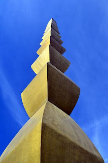 Constantin Brancusi - The Endless Column