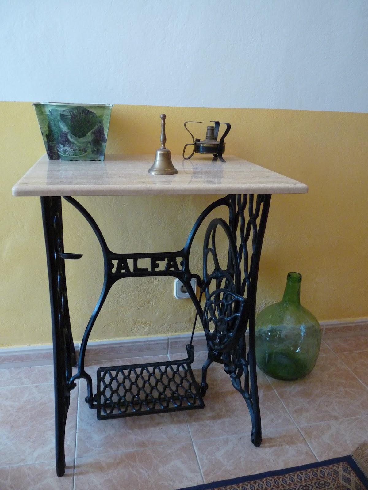 Paqui mnk mesa maquina de coser for Mesa para maquina de coser