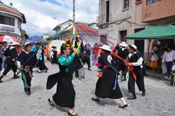 TURISMO EN ECUADOR COSTUMBRES Y TRADICIONES DE LA SIERRA ECUATORIANA