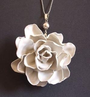 Rosa de Colher de plástico Colar