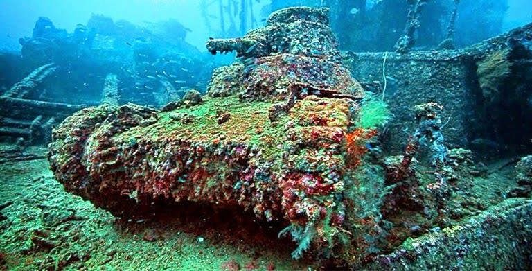 Diving in Chuuk Lagoon World War Underwater Museum