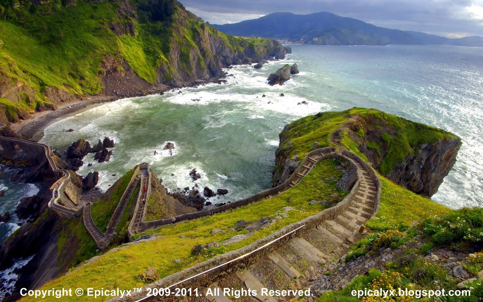 http://3.bp.blogspot.com/-YZxdAY21rpM/TsDVLnNSEvI/AAAAAAAAAKw/wXzYEeGFUhQ/s1600/Hill.jpg