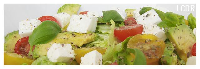 Receta de ensalada de aguacate y quesos con albahaca 03