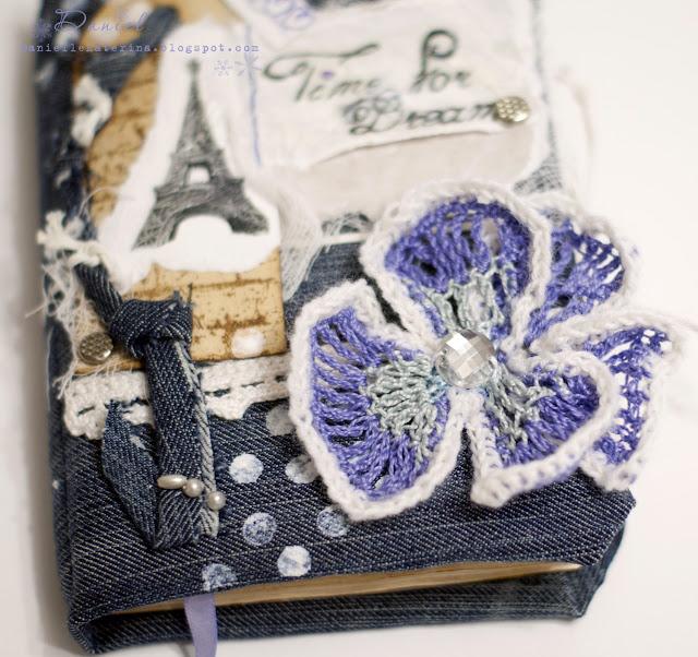 белый синий фиолетовый