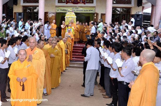 Cung tiễn Trà tỳ Kim Quan Cố HT - Thích Giác Dũng - voluongcongduc.com -10