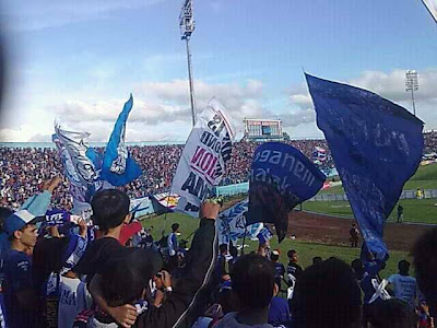 Aremania , HomeDays Arema vs Persepam | Ultras In Indonesia