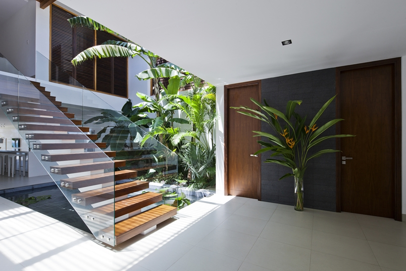 house lobby and wooden modern stairs - House Lobby Interior Design