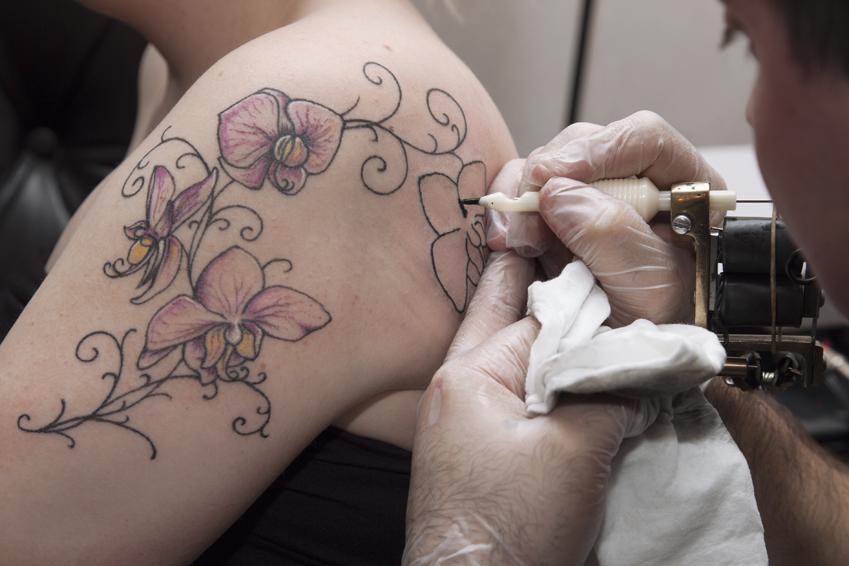 tatuointi köynnös naisen ejakulaation