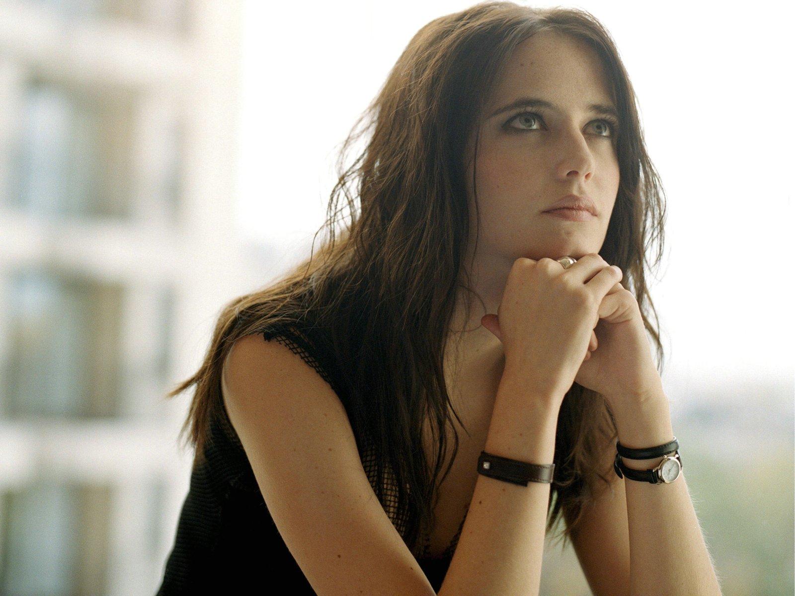 http://3.bp.blogspot.com/-Ya-21cOS8ME/TqsZU-u-NhI/AAAAAAAAEDM/T8sq3oQL0tc/s1600/66777_eva-grin_or_eva-green_1600x1200_%2528www.GdeFon.ru%2529.jpg