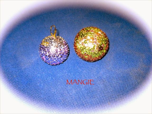 Bolas navideñas con lentejuelas