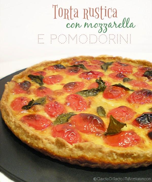 torta rustica con mozzarella e pomodorini