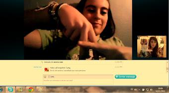 Me encanta hacer Skype coon los amigoos, la de laa pantallitaa pequeeñaaa sooy yoooooooooooooo :)