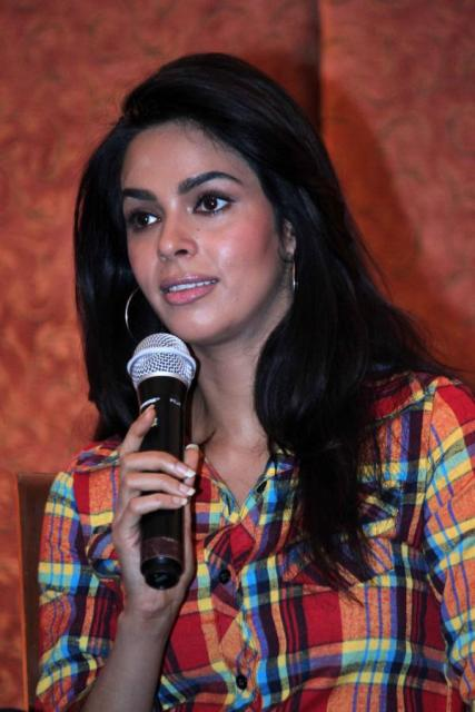 Mallika Sherawat New Wallpapers 2013