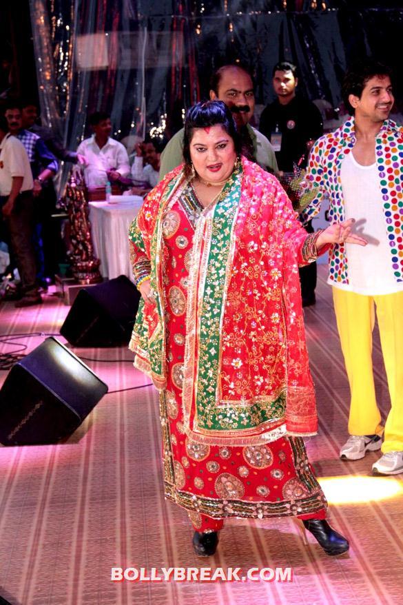 , Bollywood Celebs Dahi Handi Celebration Pics 2012