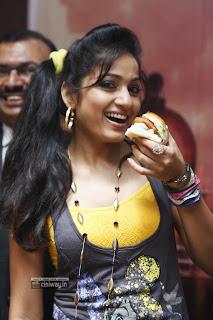 Madhavi-Latha-Stills-at-Street-Food-Mumbai-Event