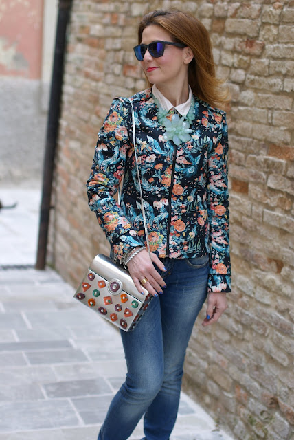 floral jacket,  Oakley mirror sunglasses, Angela Frascone bag, Fashion and Cookies