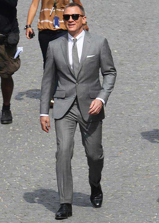 Lily's Pepelia: Ba Tah: We Are Suits! (James Bond SkyFall ...