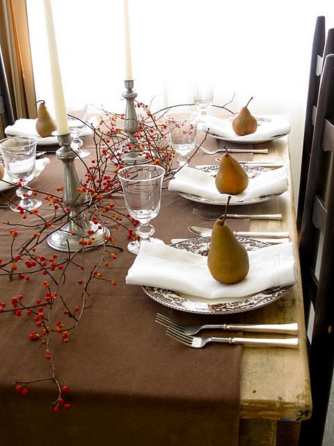 Velvet Moss Thanksgiving Table Setting Inspiration