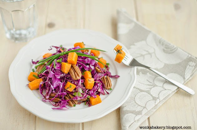 purple cabbage salad with butternut squash and chinese pecan - insalata di cavolo viola con zucca gialla e noci pecan
