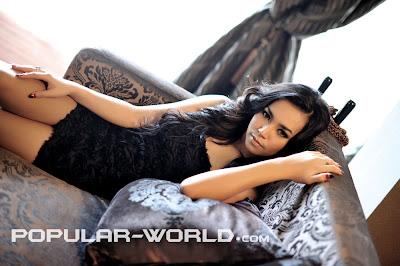 Foto Model Hot Majalah Popular, Suchi Rama Dhani - Ada Yang Asik