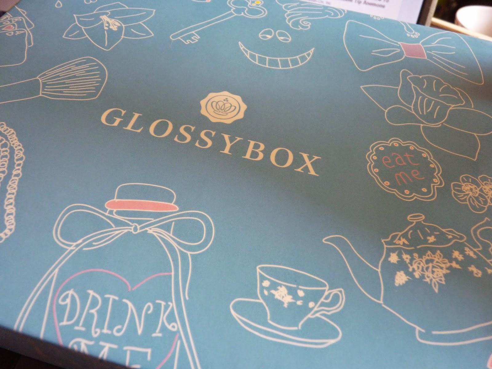 glossybox, avril 2015, alice au pays des merveille, lapin blanc, temps, pressé, dessins