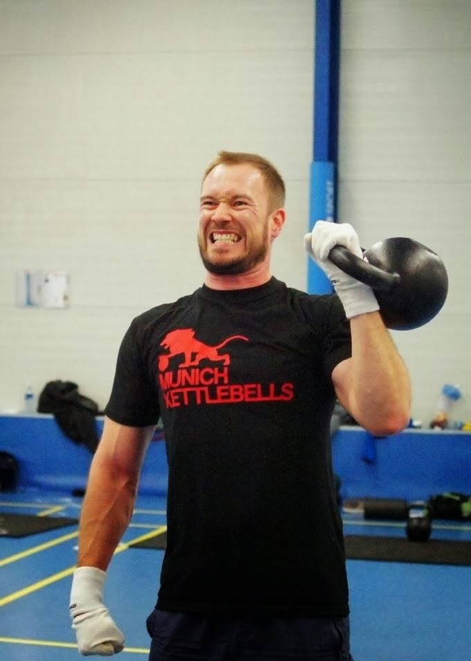 Focus Fitness Einstellbar Kettlebell 18 kg Wei/ß//Schwarz//Rot