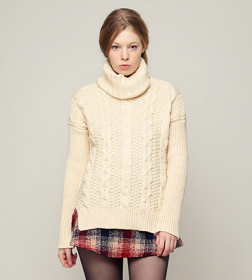Chunky Twiddle Turtleneck Sweater