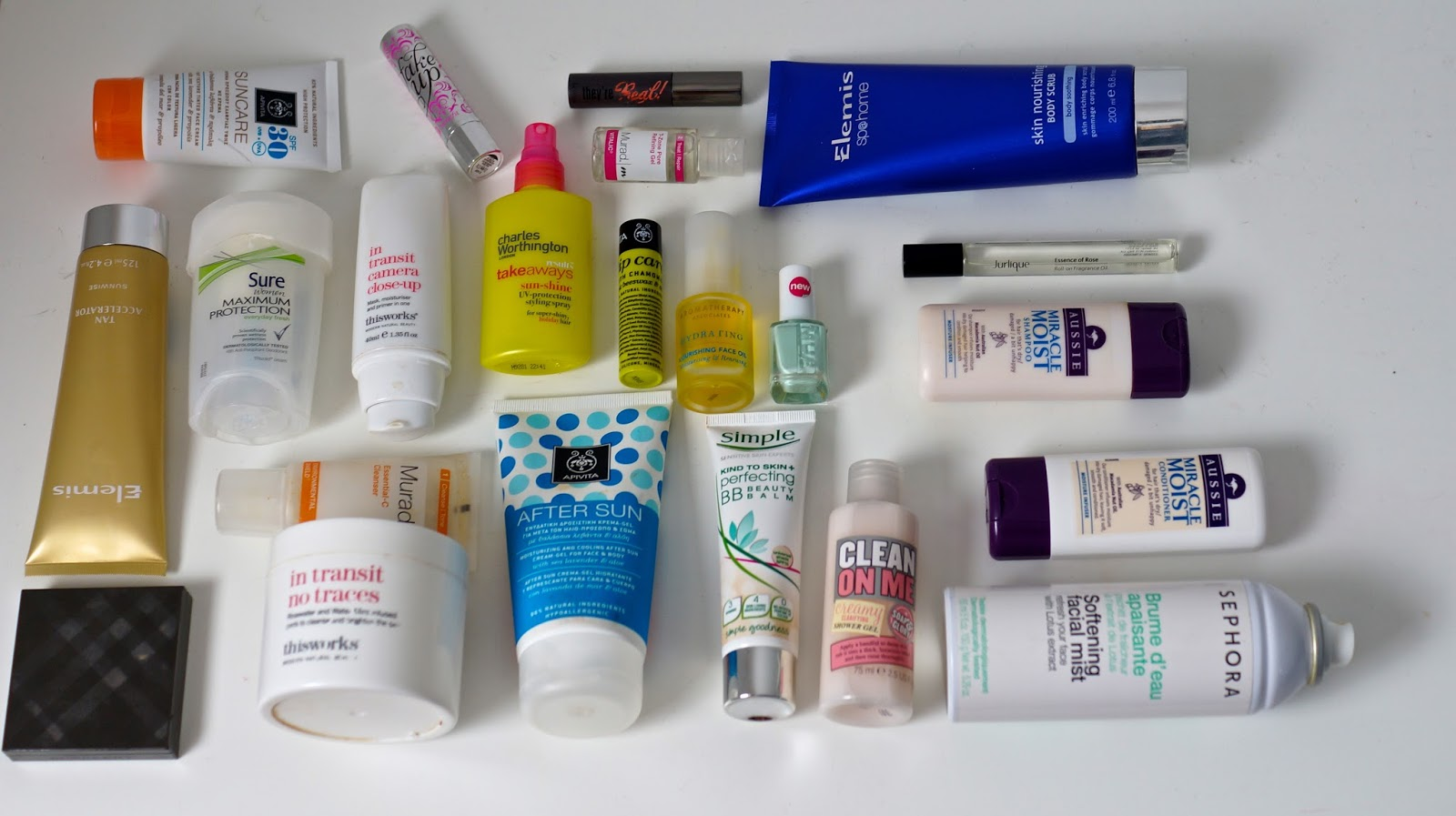Emtalks What S In My Travel Bag Perfect Holiday Toiletries