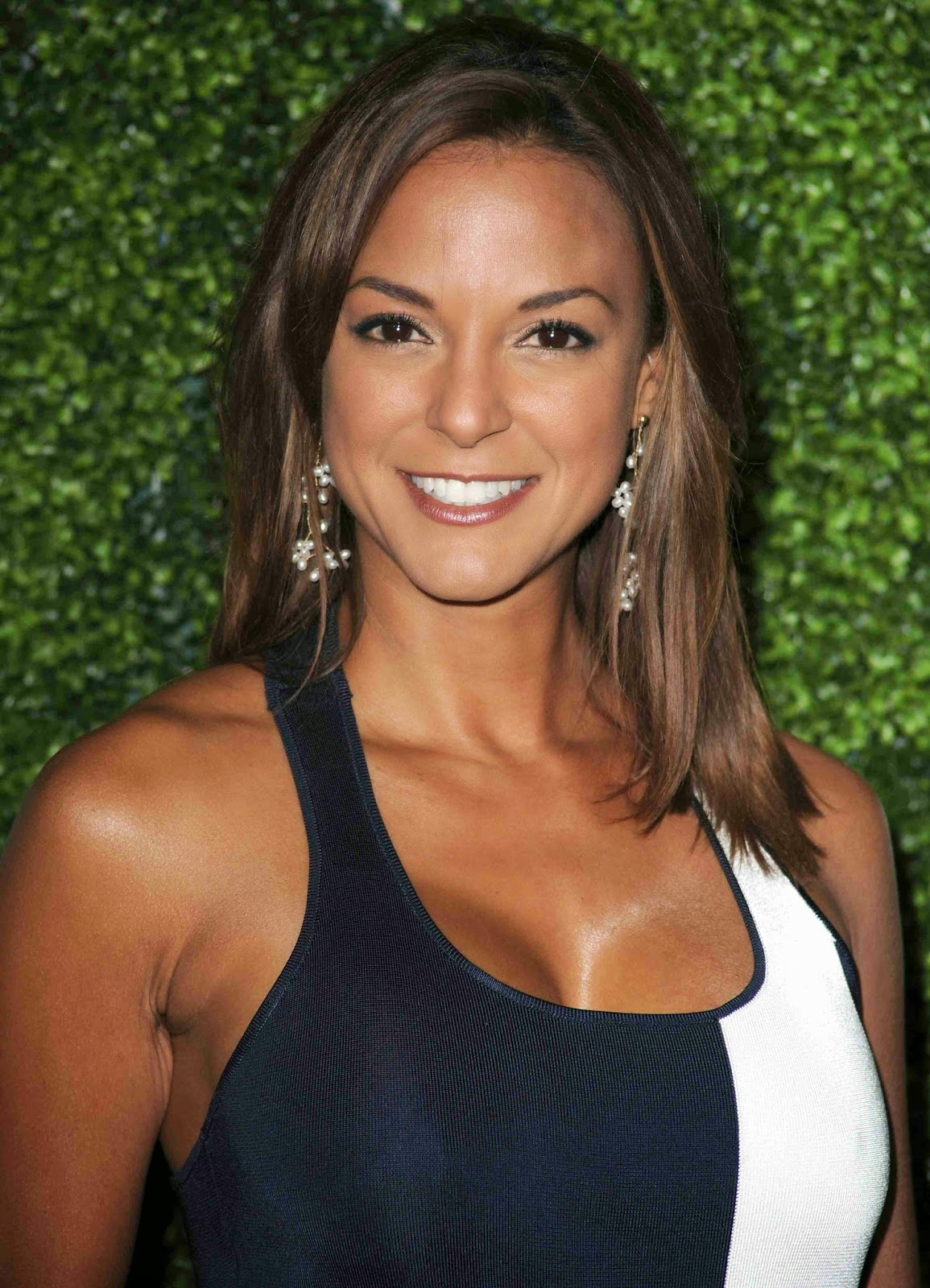 Eva LaRue is an actress who has appeared primarily on American ...