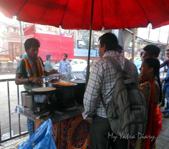 Food stalls on the way to Lalbaugcha raja, Ganesh Pandal Hopping, Mumbai