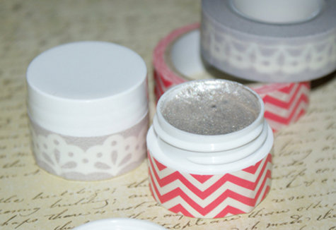 Beauty DIY - Handmade Shimmer Eyeshadow and Sparkling Body Gel Tutorial - Make Your New Year's Shine with This Easy To Craft DIY Shimmer Gel Recipe