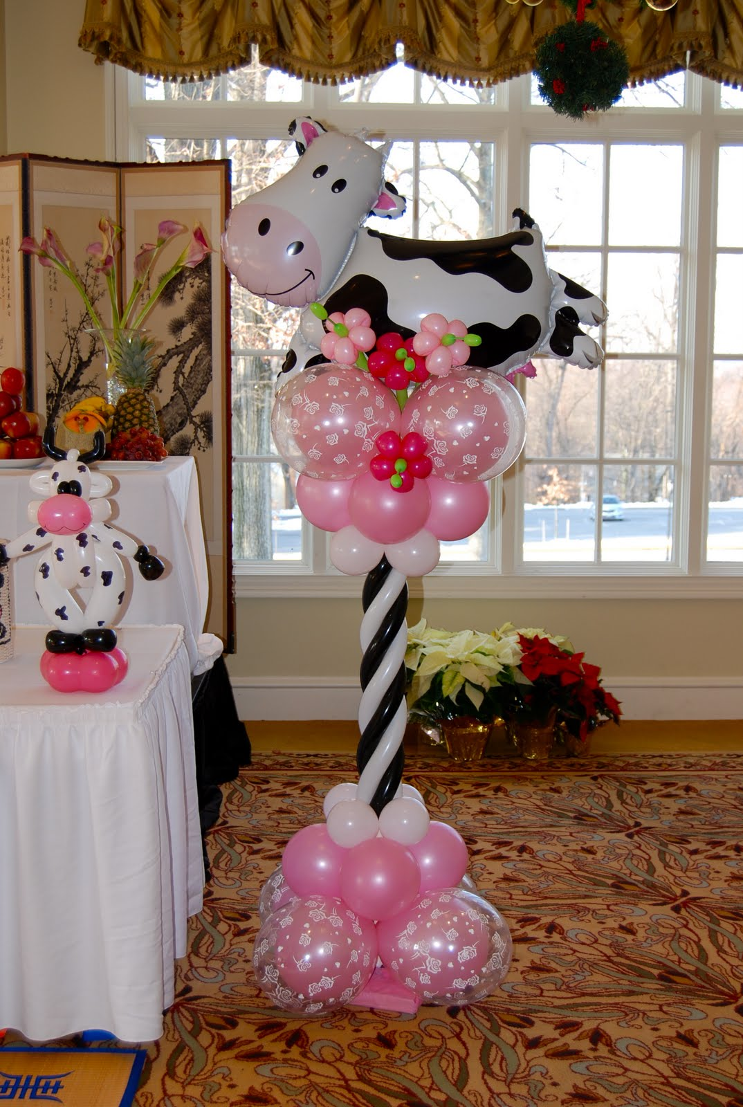 Lauren 39 s cow themed 1st birthday party balloon decor for Balloon decoration ideas for 1st birthday party