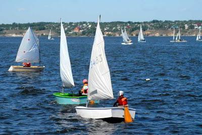 Фото Укринформ: яхты на Южном Буге
