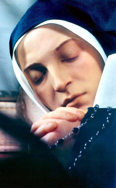 Santa Bernadette: corpo incorruto em Nevers