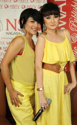 Foto KILA (Kiki Amalia & Nadila)