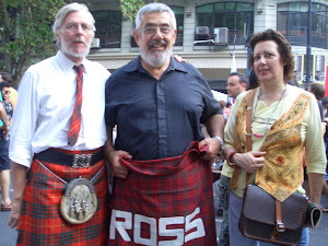 Recibiendo el Tartan del Clan Ross